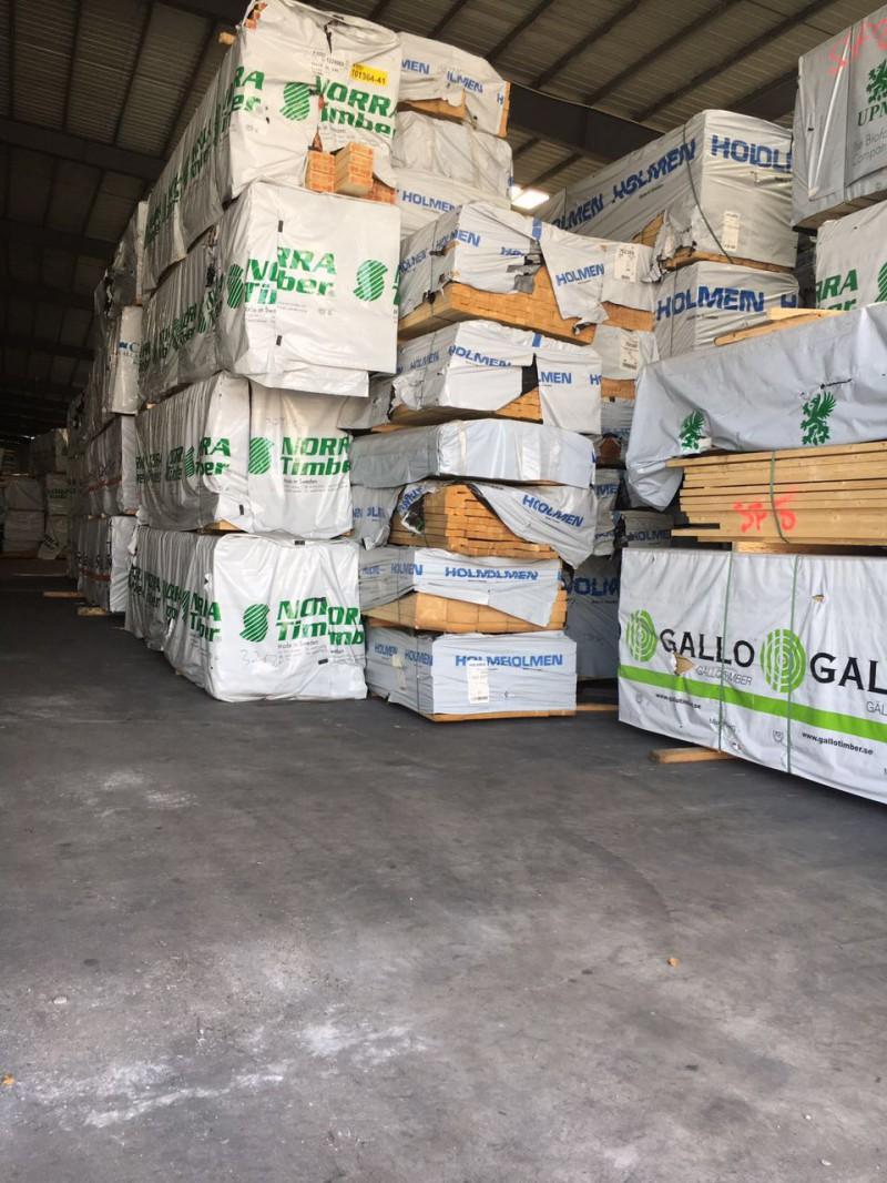 森隆木业长期供应欧洲芬兰松实木家具板材实木工艺品 松木衣柜