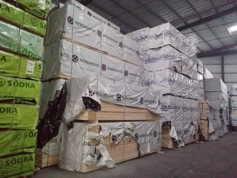 森隆木业批发欧洲芬兰松进口云杉 松木原木家具材 木方条
