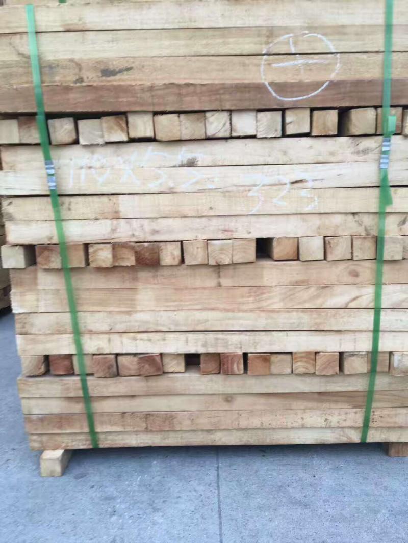 厂家批发直销橡胶木板材泰国.国产橡胶木方条 实木板材建筑木板