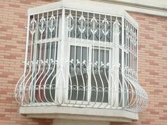 泉州铁诚来说说铁艺防盗窗有哪集中分类?