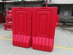 深圳各地高价回收pvc围挡 钢结构围挡 红色高水马等